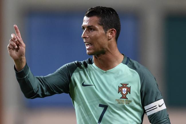 Ronaldo Makan Gaji Buta Saat Melawan The Dragons